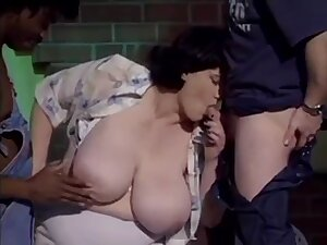 Euro mature Olga gets double penetrated in interracial trine - output